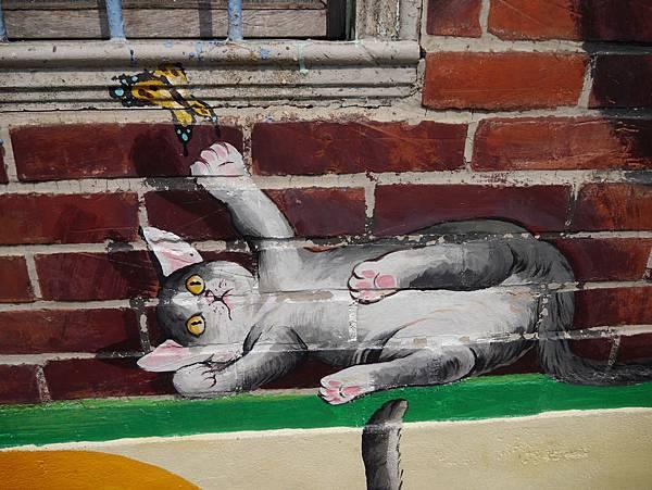 4雲林頂溪貓彩繪村 屋頂上的貓 (7)