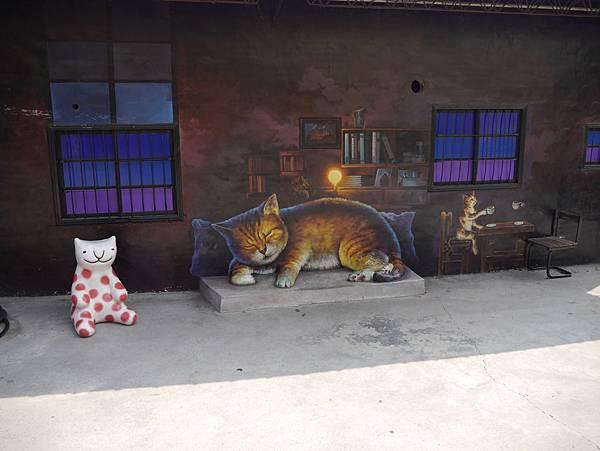 4雲林頂溪貓彩繪村 屋頂上的貓 (17)