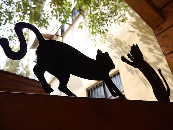 4雲林頂溪貓彩繪村 屋頂上的貓 (33)