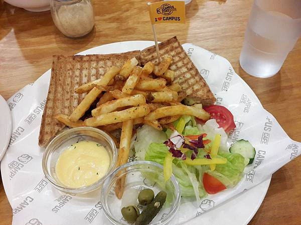 Campus Cafe 美式校園輕食餐廳 內湖店11