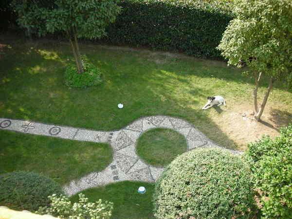 庭院俯看一角