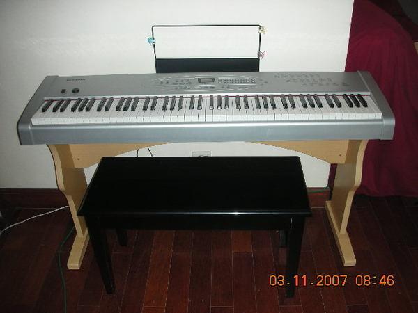 CDO-8868電鋼琴+可儲物琴椅+cover