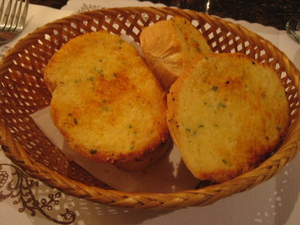 我家的最愛--大蒜麵包