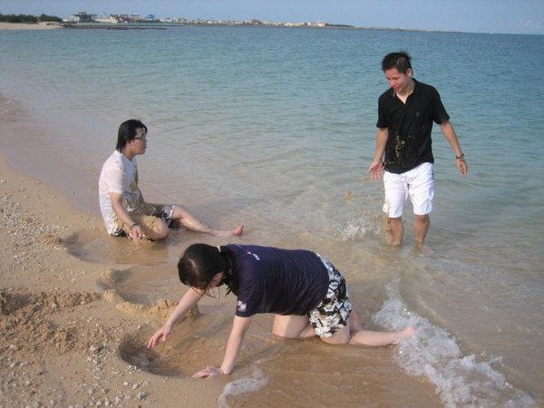 開始玩沙!