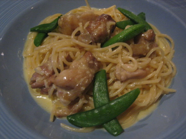 莎諾-奶油雞肉義大利麵