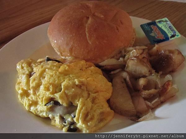 綜合菇炒蛋組合早餐