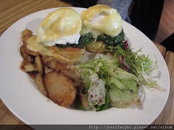 菠菜班尼迪克蛋早餐