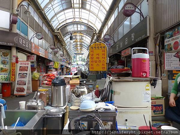 東大門市場某處咖啡攤