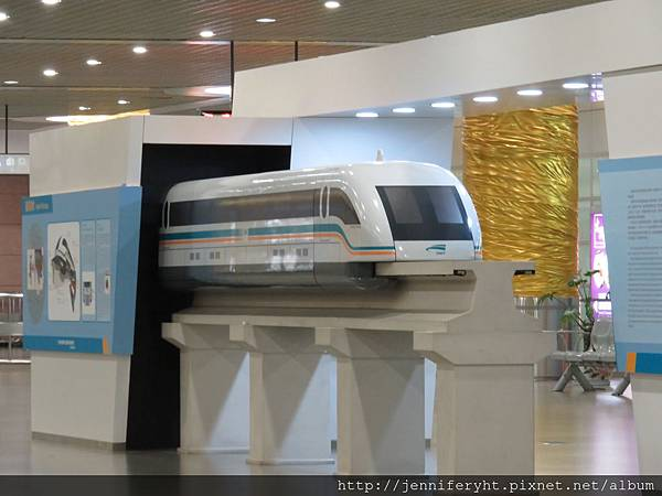 磁浮列車模型