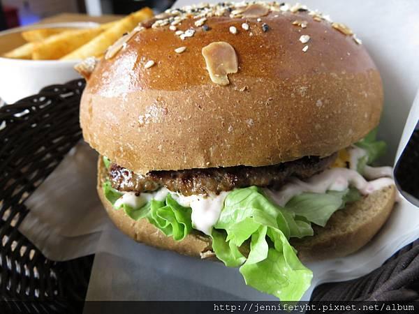 起司牛肉漢堡 好吃!!