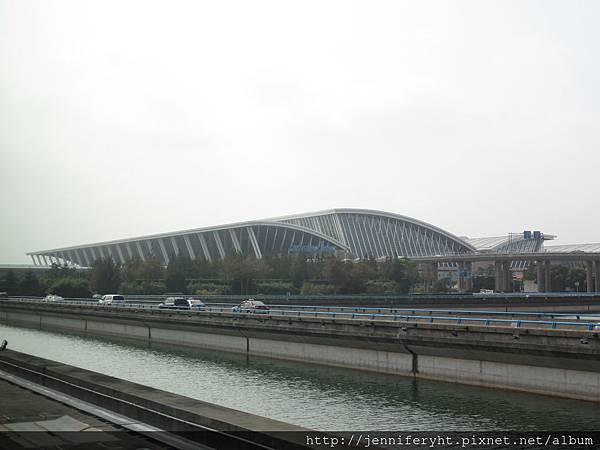 浦東機場到了...