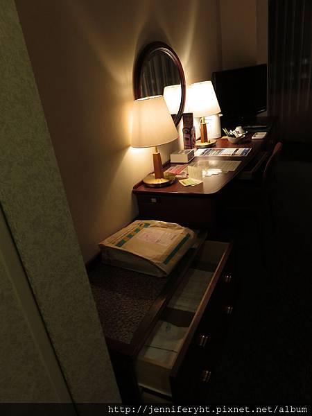東武飯店房間內部