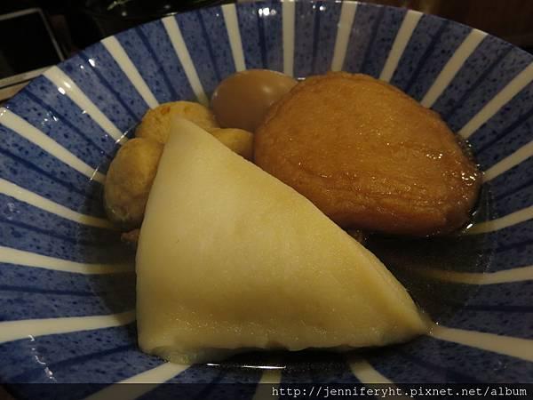 關東煮因為MENU看不是很懂就亂點五樣,還好都不錯吃