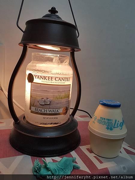 民宿的香氛蠟燭和我喜歡的香蕉牛奶Light