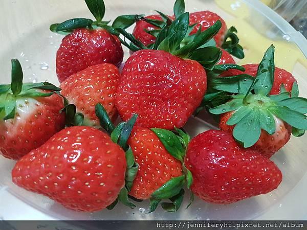 超市買的草莓