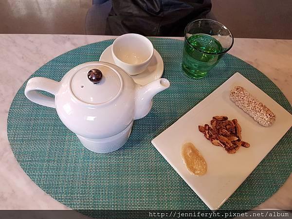 漢方茶店的茶和茶點