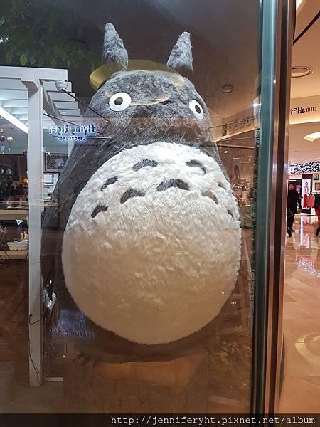 蠶室樂天百貨店內龍貓專賣店