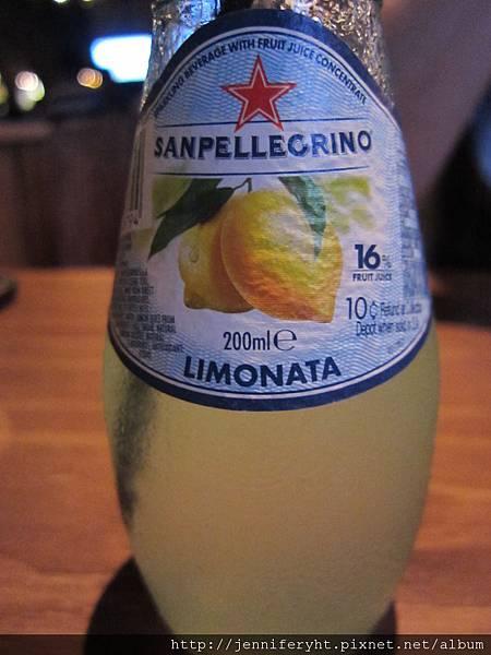 檸檬氣泡果汁