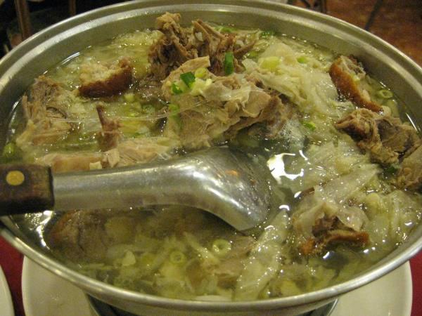 聚園-鴨架酸白菜湯