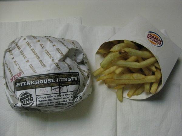 皇家安格斯牛肉堡+薯條