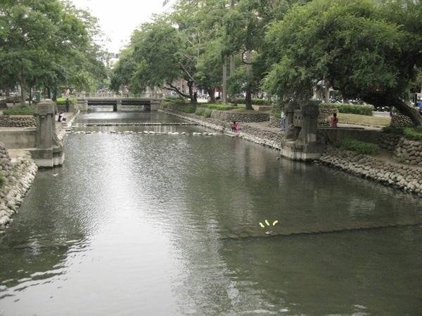 護城河-景色優美
