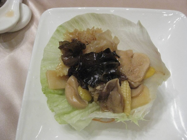 羅漢上素生菜包
