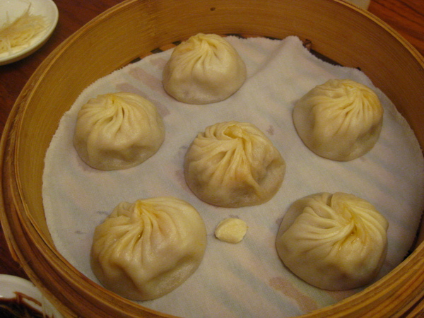 鼎泰豐-蟹黃小籠包