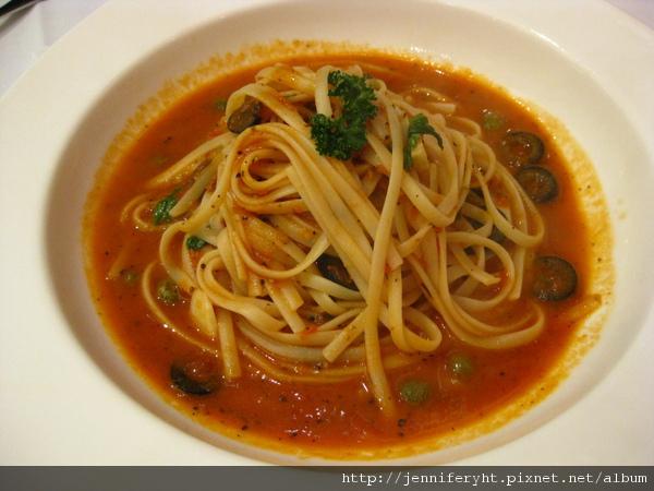 番茄鯷魚義大利麵