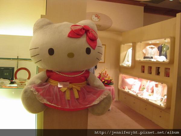 漢來大飯店內的KITTY娃娃