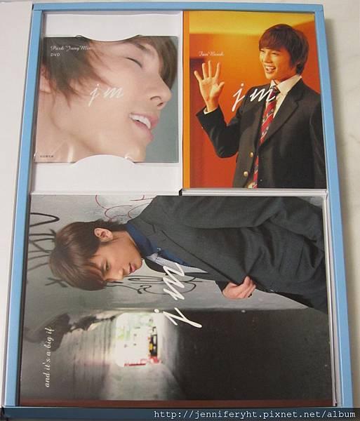 左-DVD 右-Fanbook 下-寫真集