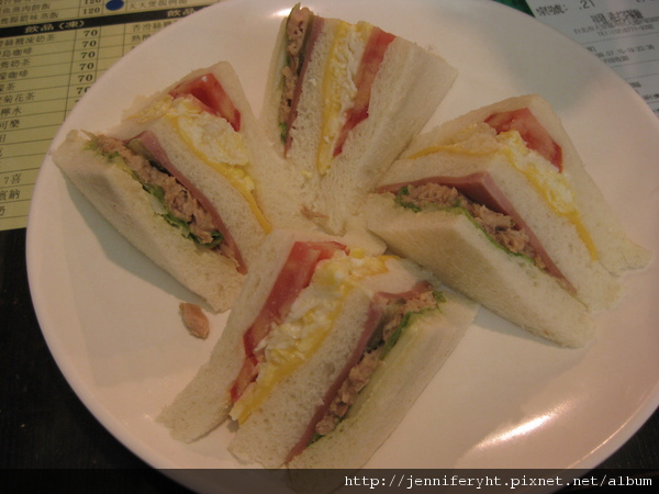 公司三明治