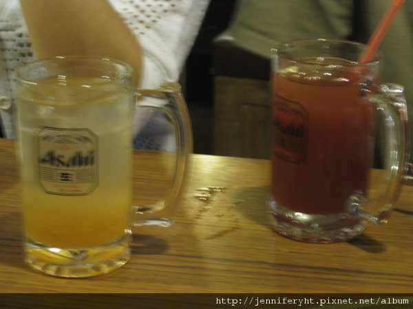 蘋果沙瓦和蔬果汁