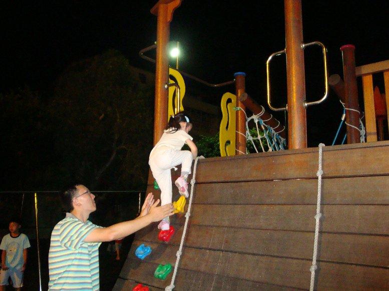 學校玩沙,攀岩08.JPG