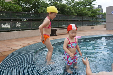 烏石港三姑姑家玩水210