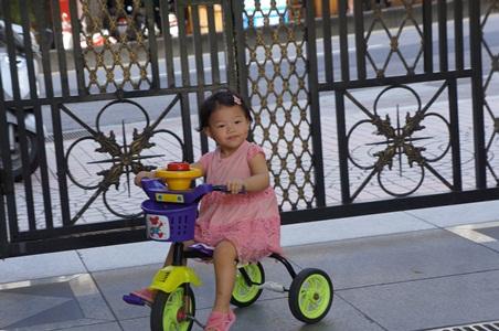 在家騎腳踏車002