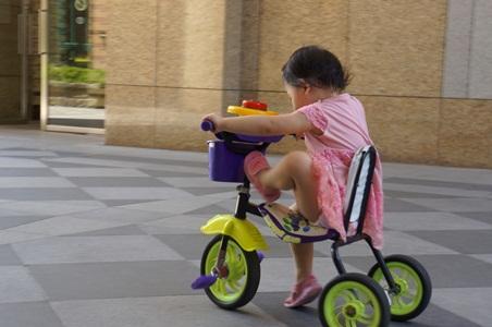 在家騎腳踏車018