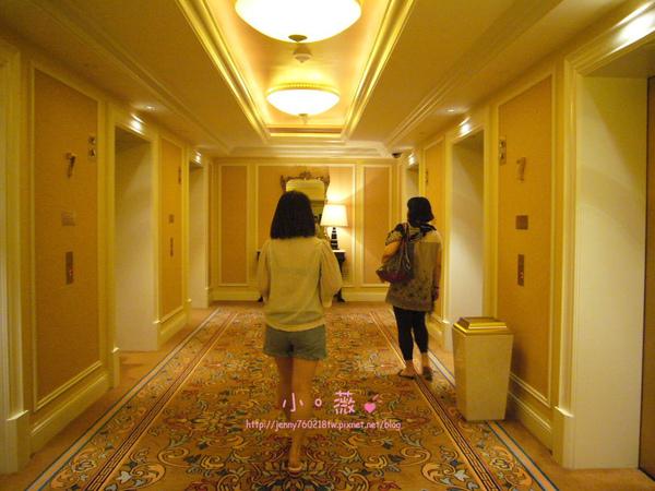 搭電梯的地方~也是很漂亮