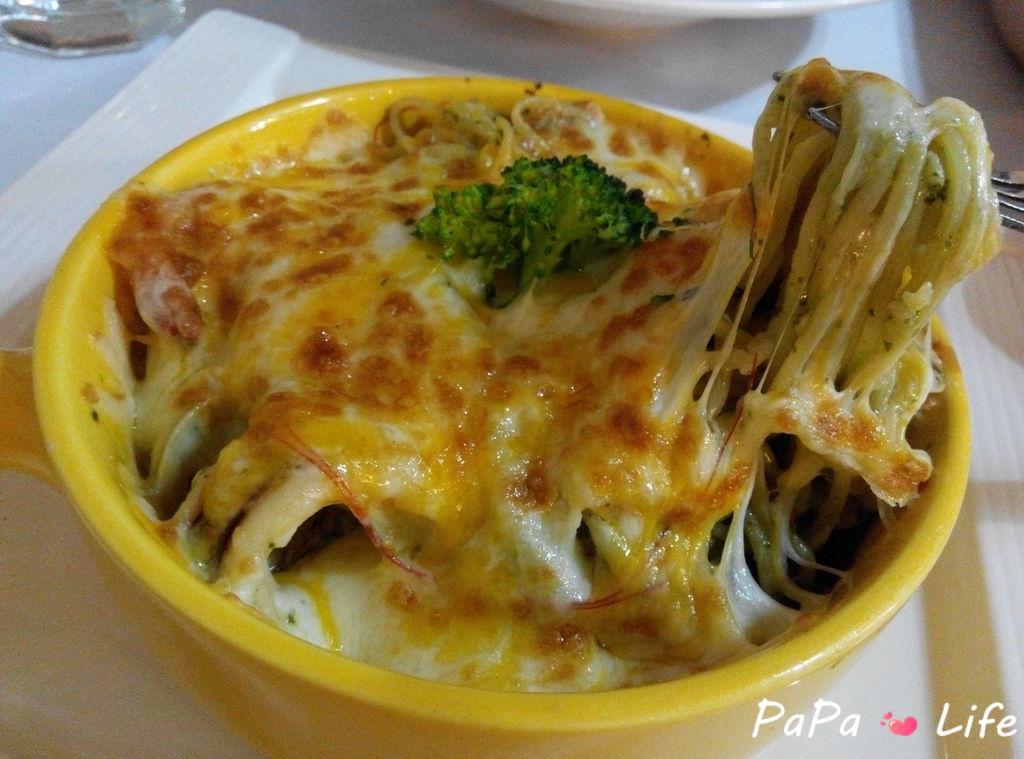 青醬海鮮焗烤麵3.jpg
