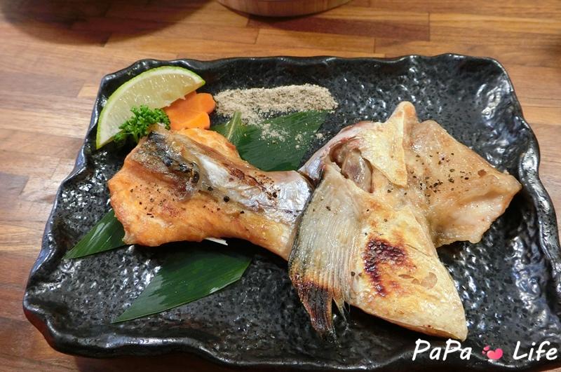 鮭魚下巴.JPG