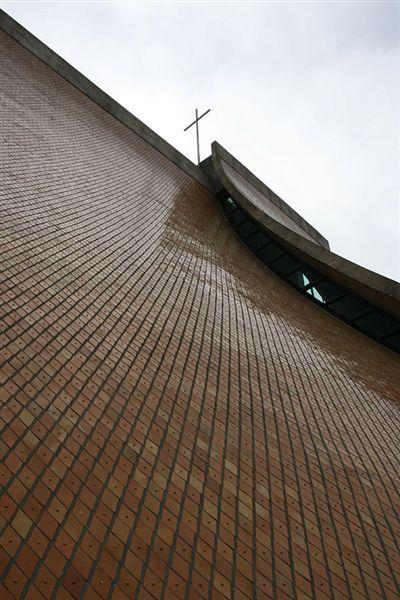 路思義教堂 十字架特寫