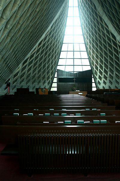 路思義教堂 內部