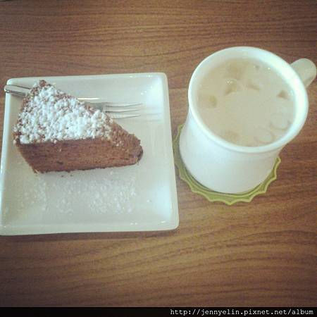 【夏日消暑提案】巧克力戚風蛋糕 × 鮮奶茶