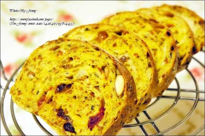 法式鄉村綜合堅果&果乾麵包6