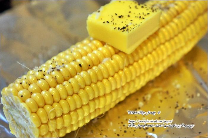 烤黑胡椒奶油玉米2