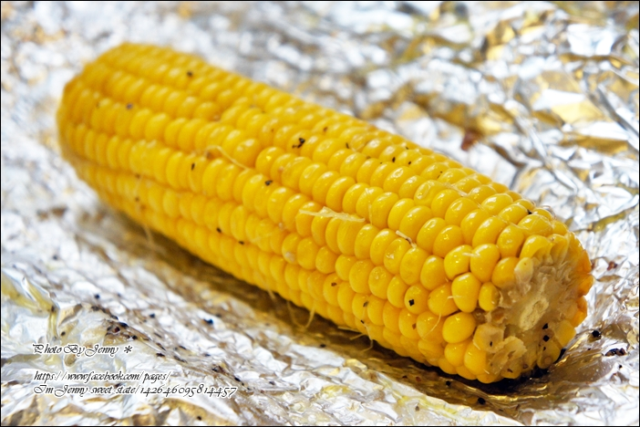 烤黑胡椒奶油玉米4