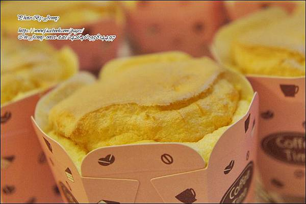 南瓜戚風杯子蛋糕8