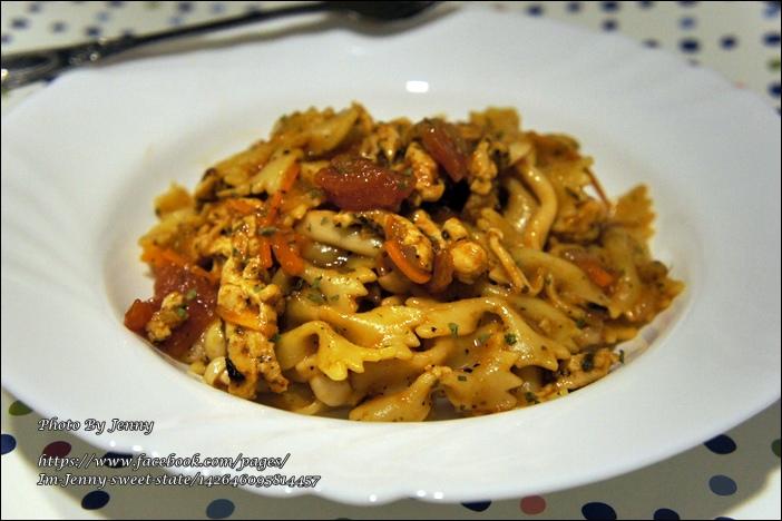 番茄雞肉蝴蝶麵2