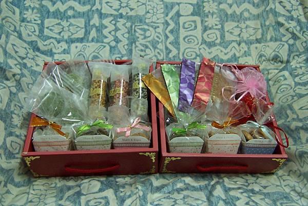 純素喜餅禮盒  雙層紅盒.jpg