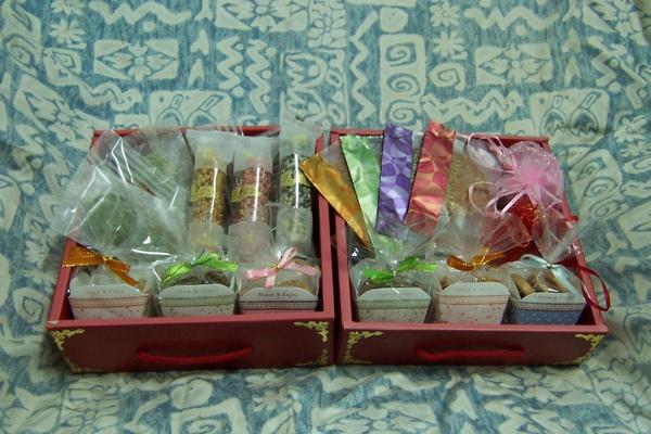 純素喜餅禮盒雙層紅盒.jpg