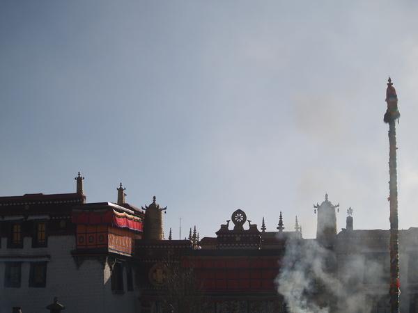 煙袅的大昭寺